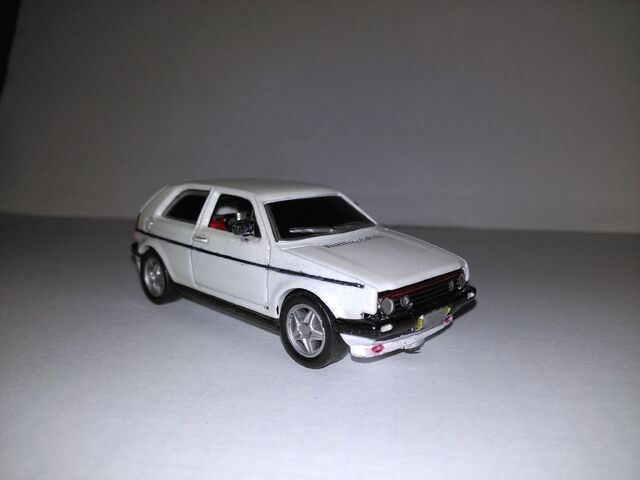 File:Hot wheels VW golf custom.jpg