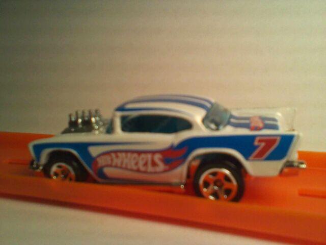 File:2011 HWR '57 Chevy-White2.jpg