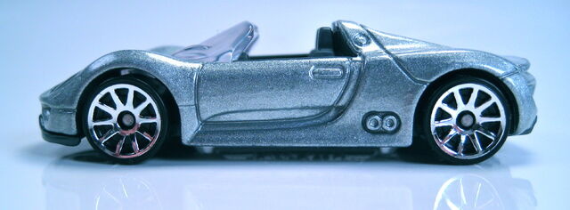 File:Porsche 918 Spyder profile.JPG