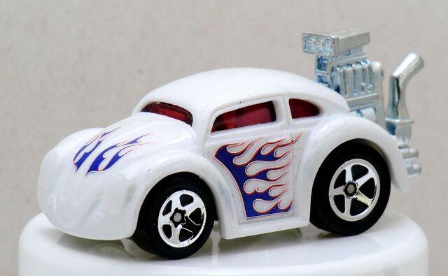 File:Tooned VW Bug-2014 Color Shifters(Cold).jpg