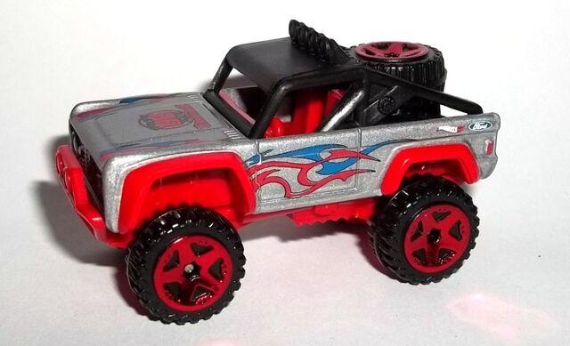 File:HW-2015-121-Custom Ford Bronco-HotTrucks.jpg