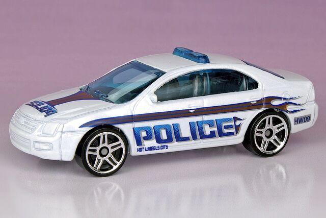 File:Ford Fusion - 2521ef.jpg