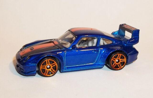 File:HW-2016-114-Porsche 993 GT2-Showroom.jpg