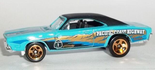 File:HW-Road Trippin'-2104-13-'69 Dodge Charger.jpg