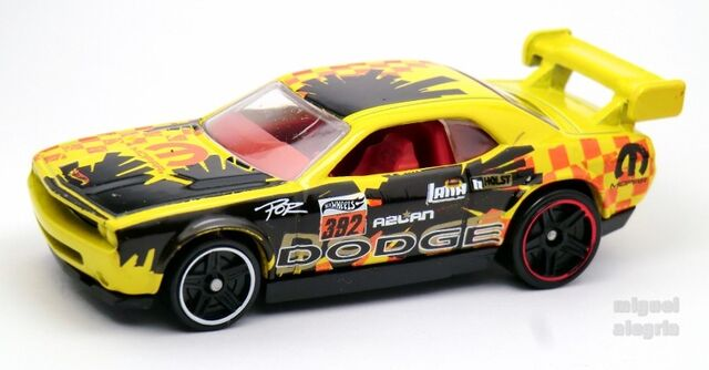 File:Dodge Challenger Drift Car-2014 107.jpg