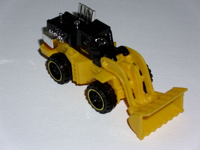 File:CAT Wheel Loader 2010 DD.jpg