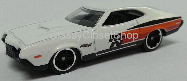 File:White K&N 72 Gran Torino.jpg