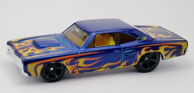 File:'69 Dodge Coronet Super Bee-2012 212 Heat Fleet.jpg