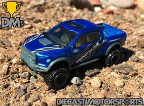 17 Ford F-150 Raptor - 16 HW Hot Trucks 600pxDM