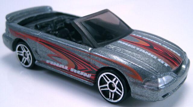 File:96 mustang gt convertible final run 2003.JPG