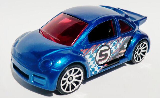 File:Volkswagen New Beetle Cup.2012 3-Pack .jpg