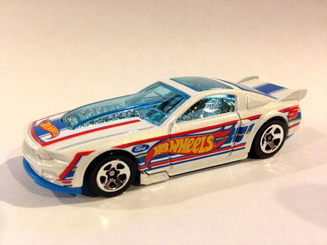 File:2013 HW Racing '13 Ford Mustang (white variation).JPG