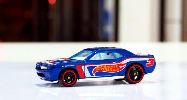 File:Dodge Challenger SRT8 2008 - 04.JPG