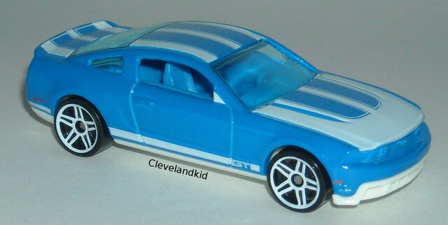 File:2010 ford mustang gt blue.jpg