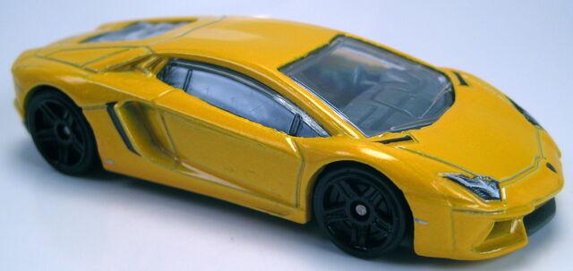 File:Lamborghini Aventador LP 700-4 2012 Super Speeders.JPG