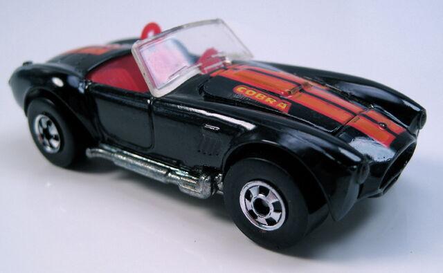 File:Classic cobra black bw park n plates.JPG