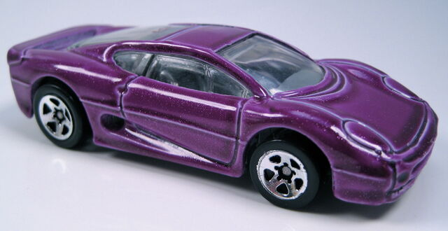 File:Jaguar xj220 purple 5-pack.JPG