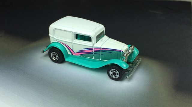 File:'32 Ford Delivery 5-Pack 1990.JPG
