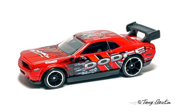 File:Dodge challenger drift car red.png
