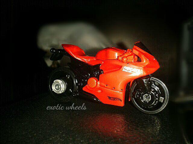 File:Ducati 1199 red.jpg