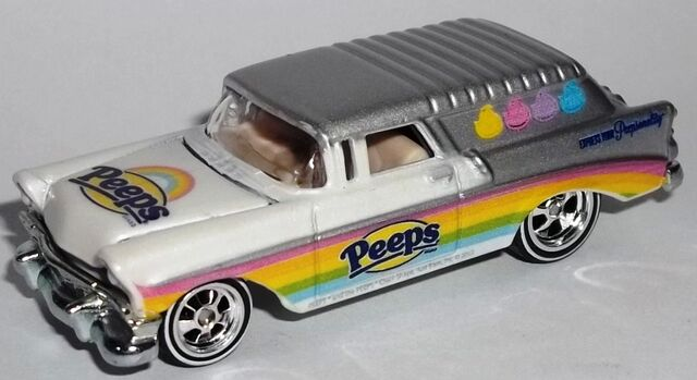 File:HW-2014-Just Born-'56 Chevy Nomad Delivery-Peeps.jpg