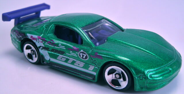 File:Olds Aurora GTS-1 Powershift garage 5-pack car 2001.JPG