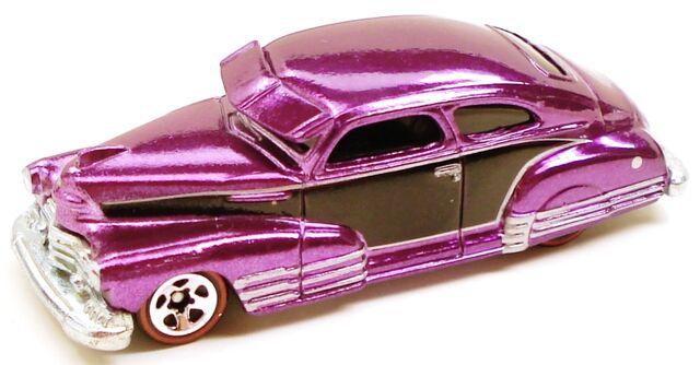 File:47chevyfleetline classic purple.JPG