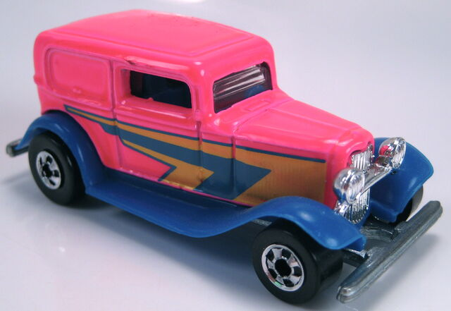 File:32 ford delivery neon pink BW 25th ann 5 pack car 1993.JPG