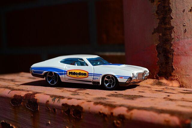 File:72 Ford Grand Torino B .jpg