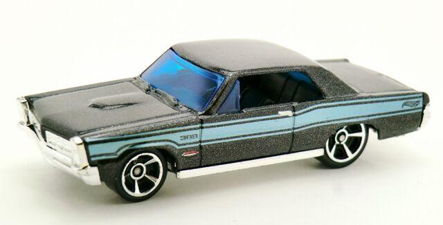 File:'65 Pontiac GTO-2013 3-Pack.jpg