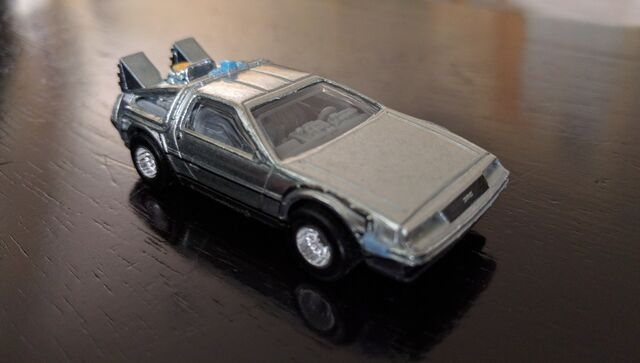 File:2016 BTTF TimeMachine.jpg