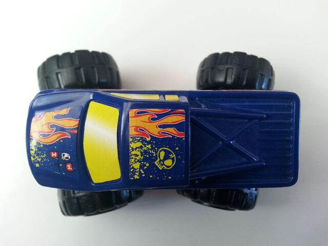 File:Monster Truck 4-wheel steering.jpg