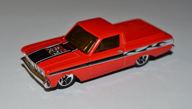 File:2011 '65 Ford Ranchero 001 white.jpg