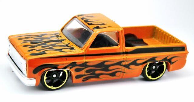 File:'83 Chevy Silverado-2013 166 Orange.jpg