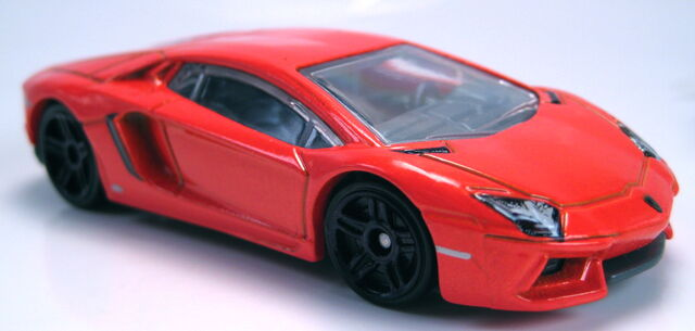 File:'12 Lamborghini Aventador orange new model.JPG