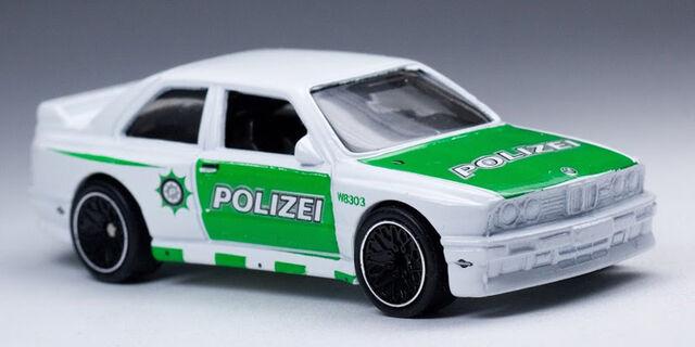File:'92 BMW M3.jpg