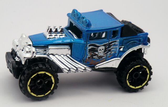 File:Baja Bone Shaker--2013 90 Blue.jpg