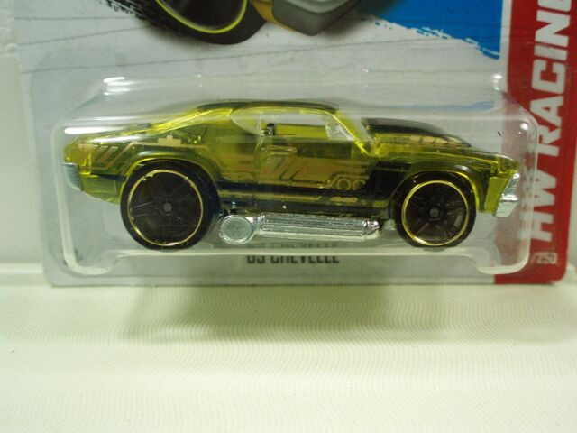 File:Hot-wheels-track-stars-69-chevelle-amarillo-137250-2013-63-MLM4645310958 072013-F.jpg