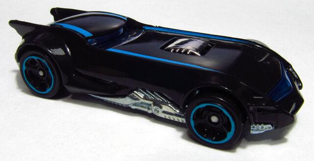 File:2014 BFC73 The Batman Batmobile.jpg