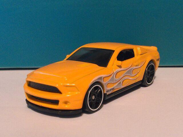 File:2015-Flashfire5-ShelbySuperSnake.jpg