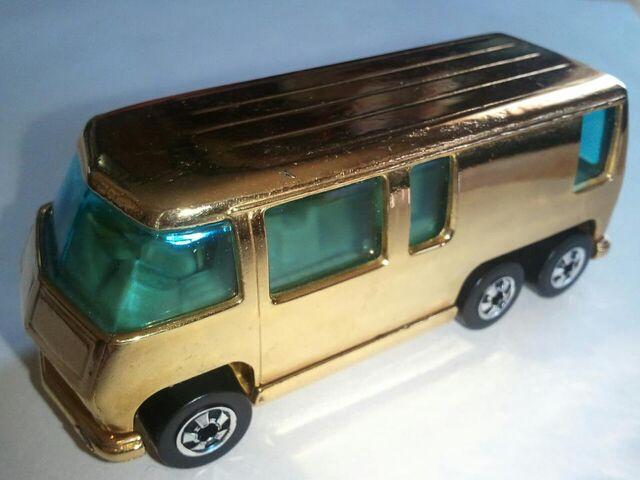 File:24k Gold Motorhome.jpg