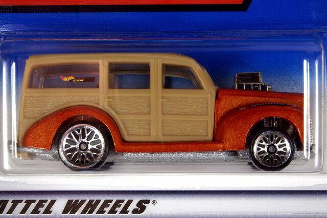 File:2000 '40's Woodie - 5987cf.jpg