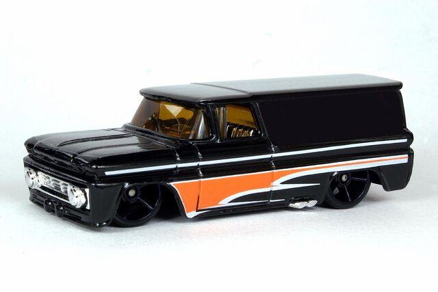 File:1962 Chevrolet Panel Truck - 5584gf.jpg