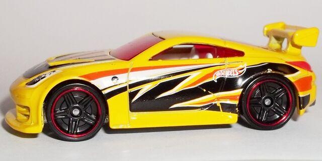 File:HW-2014-4th of July--01-Nissan 350Z.jpg