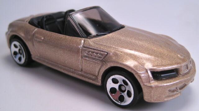 File:BMW M Roadster gold HO5 2002 mainline.JPG
