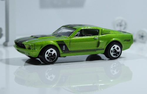 File:Shelby GT-500 1967 (green).jpg