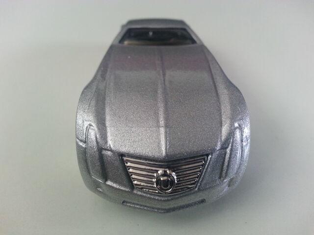 File:Cadillac V-16 Concept (Hardnoze) front.jpg