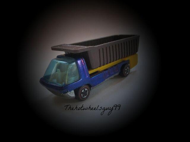 File:Blue Dump Truck.jpg