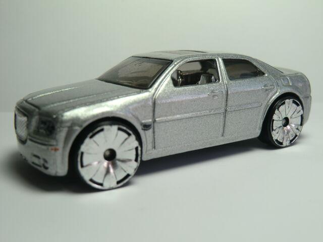 File:Chrysler 300C Hemi CIMG1892.JPG