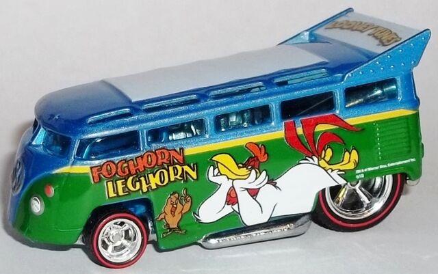 File:HW-2014-Looney Tunes-Volkswagen T1 Drag Bus-Foghorn Leghorn.jpg